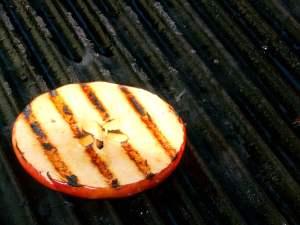 Bạn có thể chế biến táo theo nhiều cách khác nhau để tránh cảm giác ngán ngẩm.